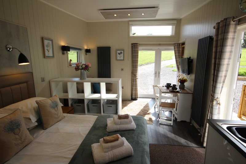 Wooden glamping lodge for 4 or 5 with hot tub in Caldbeck, North Lakes, Cumbria3