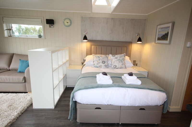 Wooden glamping lodge for 4 or 5 with hot tub in Caldbeck, North Lakes, Cumbria6