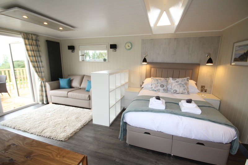 Wooden glamping lodge for 4 or 5 with hot tub in Caldbeck, North Lakes, Cumbria7