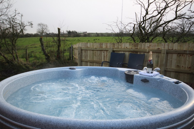 Luxury glamping lodge for 4 or 6, Caldbeck, Cumbria4